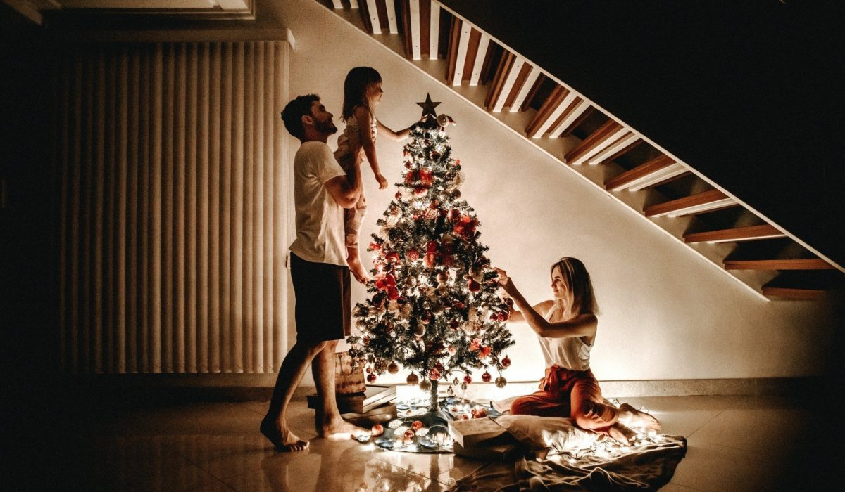 25 ideas to spend quality time together as a foster family this Christmas.